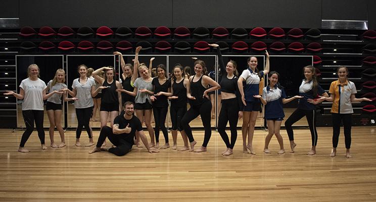 W2 - Dance