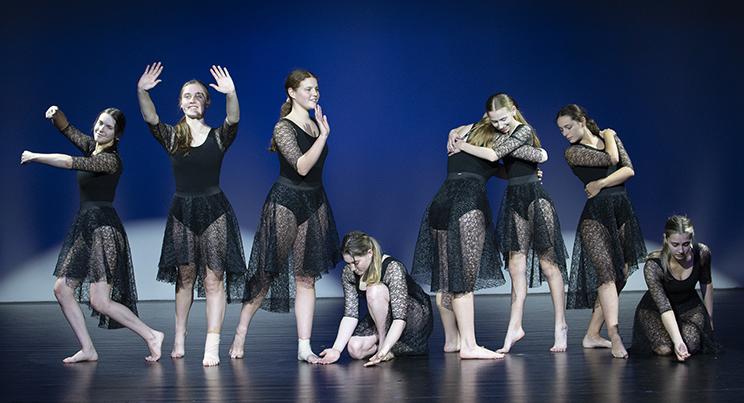 W7 - Dance